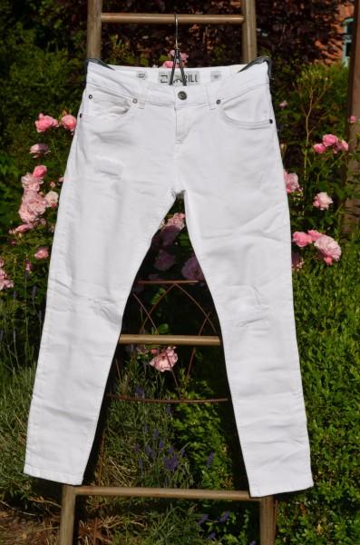 Weiße Sommer-Jeans leicht destroyed