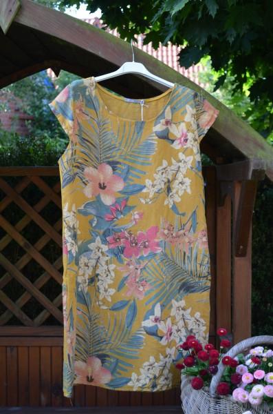 Leinenkleid mit Blumen und Palmblättern